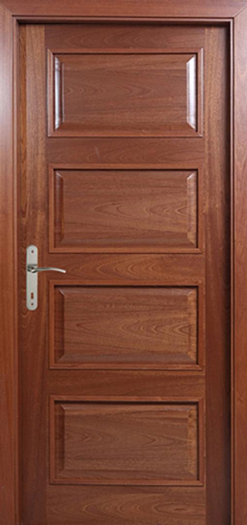 Borovi festett beltéri ajtó