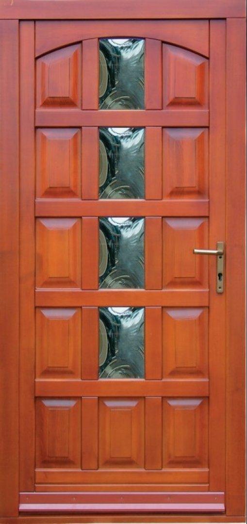 Festett fa bejárat ajtók